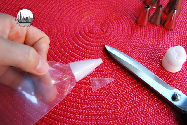 inserire beccuccio nel sac a poche