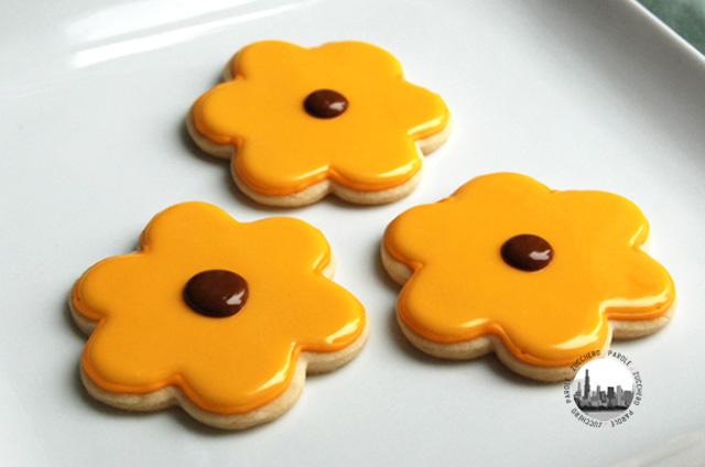 foto biscotti fiori gialli