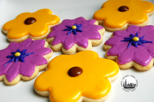 biscotti fiori gialli e viola