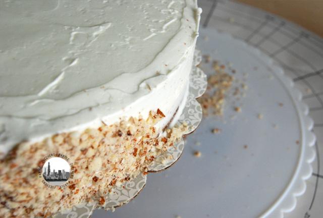 foto granella di mandorle su torta