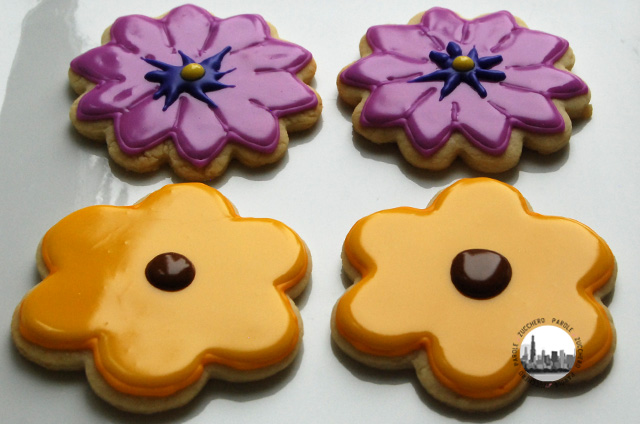 foto quattro biscotti a fiore