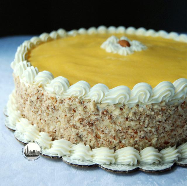 foto torta mango curd e buttercream